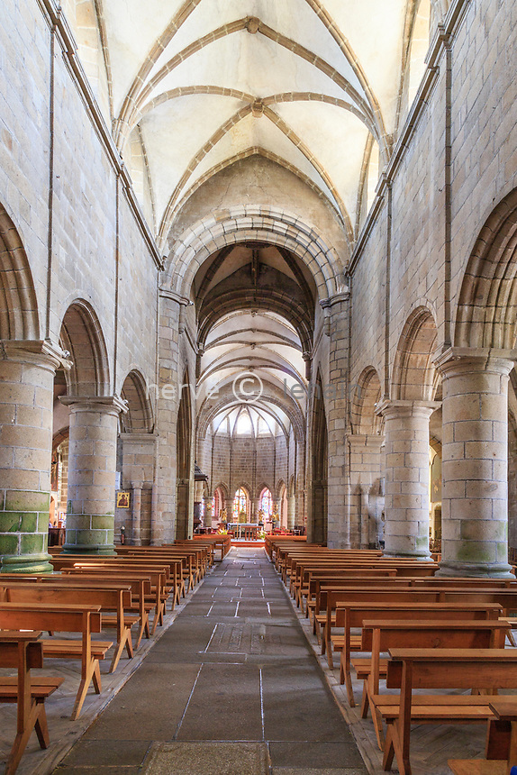 France, Manche (50), Cotentin, Granville, Ville Haute, église Notre-Dame-du-Cap-Lihou,  la nef // France, Manche, Cotentin Peninsula, Granville, Notre Dame du Cap Lihou church, the nave