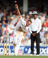 Stuart Broad of England - England vs Australia - 2nd day of the 5th Investec Ashes Test match at The Kia Oval, London - 22/08/13 - MANDATORY CREDIT: Rob Newell/TGSPHOTO - Self billing applies where appropriate - 0845 094 6026 - contact@tgsphoto.co.uk - NO UNPAID USE