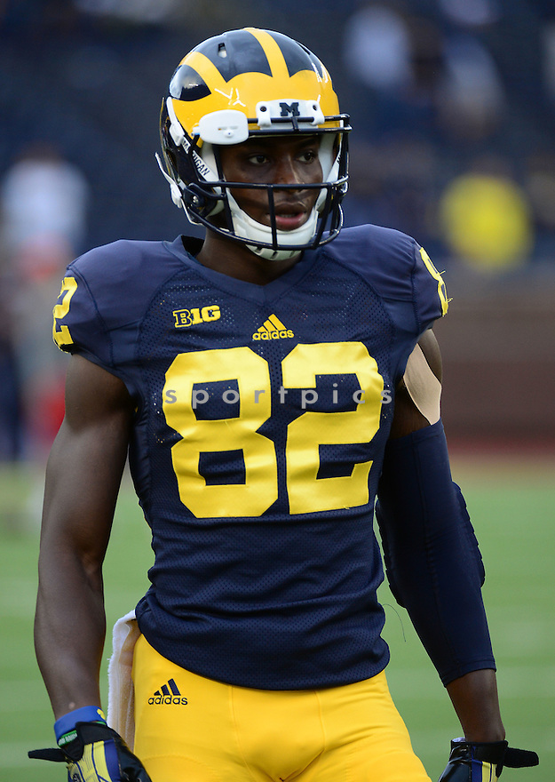 Michigan Wolverines Amara Darboh (82) during a game against the UNLV Rebels on September 19, 2015 at Michigan Stadium in Ann Arbor, MI. Michigan beat UNLV 28-7.