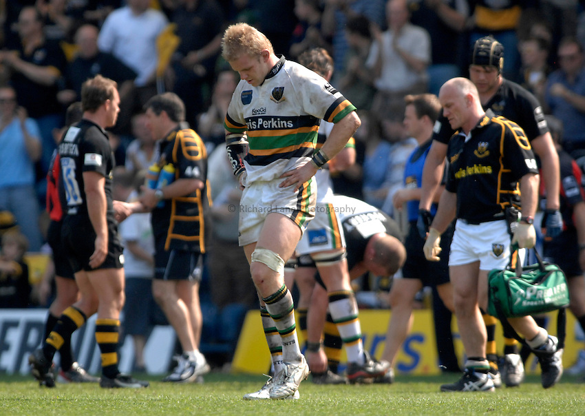 Photo: Richard Lane..London Wasps v Northampton Saints. Guinness Premiership. 15/04/2007. .Saints' Ben Lewitt shows his dejection on the final whistle.