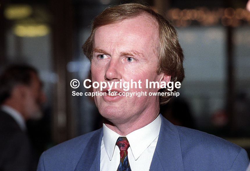 David Davies, broadcaster, journalist, BBC, television, radio, UK, later executive director, (English) Football Association, 19920905DD.<br />