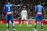 Real Madrid´s Cristiano Ronaldo prepares for a fault kick off during La Liga match at Santiago Bernabeu stadium in Madrid, Spain. March 15, 2015. (ALTERPHOTOS/Victor Blanco)