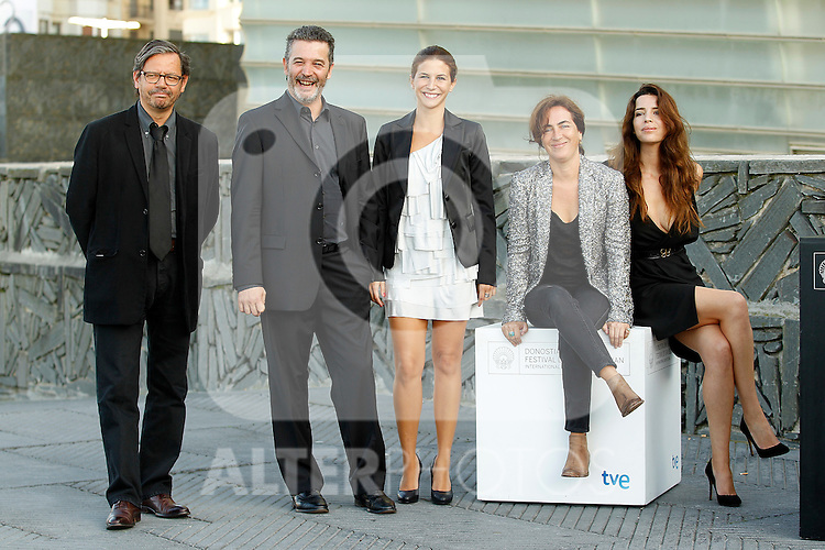 Portuguese director Joao Canijo (2l) poses with actresses Anabela Moreira (R), Rita Blanco (2nd R) and Cleia Almeida (c) and the productor Pedro Borges (l) during the 59th San Sebastian Donostia International Film Festival - Zinemaldia.September 21,2011.(ALTERPHOTOS/ALFAQUI/Acero)