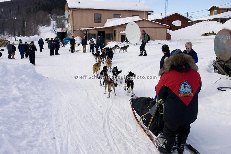 Vern Halter Arriving @ Takotna Chkpt Iditarod 2005 Alaska