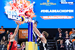 04.01.2019, Den Haag, Sportcampus Zuiderpark<br />Beachvolleyball, FIVB World Tour, 2019 DELA Beach Open<br /><br />Angriff Christian Sorum (#2 NOR) - Block Alexander Walkenhorst (#1 GER)<br /><br />  Foto © nordphoto / Kurth