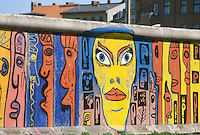 - the Berlin Wall ....- il Muro di Berlino