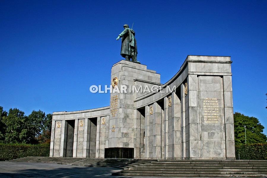 Memorial do soldado russo. Berlim. Alemanha. 2007. Foto de Marcio Nel Cimatti.