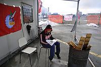 - the workers of Mangiarotti Nuclear in Sesto S. Giovanni (Milan) protest against dismissals at the gates of the factory....- presidio lavoratori dello stabilimento Mangiarotti Nuclear di sesto S.Giovanni (Milano) contro i licenziamenti