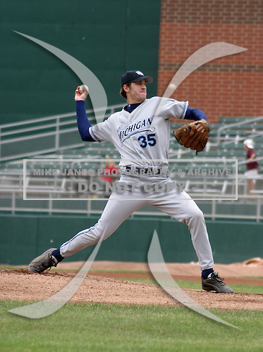 August 31, 2003:  Pitcher Michael Howell of the West Michigan WhiteCaps during a game at Lansing Stadium in Lansing, Michigan.  Photo by:  Mike Janes/Four Seam Images