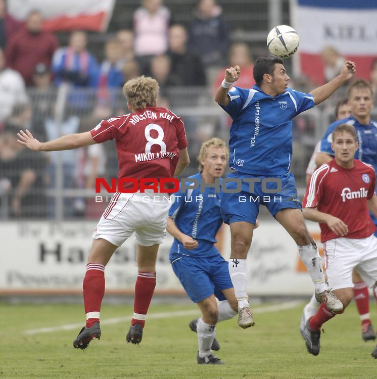RLN 2006/2007 - 11.Spieltag Hinrunde Kickers Emden - Holstein Kiel 0:0<br /> Kopfball Volkan Altin (Kickers)<br /> <br /> <br /> Foto &copy; nordphoto *** Local Caption *** Foto ist honorarpflichtig! zzgl. gesetzl. MwSt.<br /> <br /> Belegexemplar erforderlich