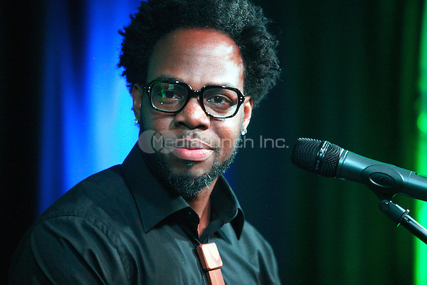 Dwele visits WDAS's iHeart Radio Performance Theater in Bala Cynwyd, Pa on August 30, 2012  © Star Shooter / MediaPunchInc
