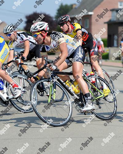 2011-04-30 / Wielrennen / seizoen 2011 / Elite zc. / DE BIE Christophe..Foto: Mpics