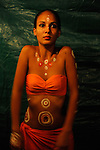 Marine Biret en coulisses du Festival de danse de Papara..Compagnie Manahau ..à Tahiti ..le 23/09/2009