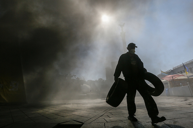 Attempted clearing of Maidan provokes clashes on Maidan in Kiev, August 7, 2014