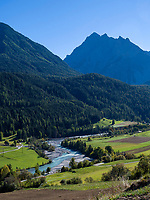 Inntal bei Sent bei Scuol, Unterengadin, Graubünden, Schweiz, Europa<br /> river Inn near Sent, Scuol Valley, Engadine, Grisons, Switzerland