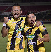 TUNJA-COLOMBIA, 29-10-2019: Jugadores de Alianza Petrolera, celebran la clasificación a la siguiente fase al término de partido de la fecha 20 entre Patriotas Boyacá y Alianza Petrolera, por la Liga Águila II 2019, jugado en el estadio La Independencia de la ciudad de Tunja. / Players of Alianza Petrolera, celebrate the classification to the next phase at the end of the match of the 20th date between Patriotas Boyaca and Alianza Petrolera, for the Aguila Leguaje II 2019 played at the La Independencia stadium in Tunja city. / Photo: VizzorImage / José Miguel Palencia / Cont.