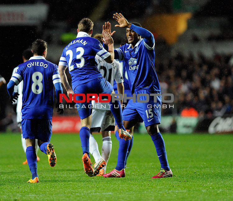 Everton's Seamus Coleman celebrates with his team mates after scoring. -    22/12/2013 - SPORT - FOOTBALL - Liberty Stadium - Swansea - Swansea City v Everton - Barclays Premier League<br /> Foto nph / Meredith<br /> <br /> ***** OUT OF UK *****