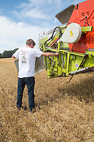 Checking the header of a Claas combine