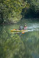 Germany, Baden-Wuerttemberg, Tauber Valley, Wertheim, district Reicholzheim: canoeing on river Tauber | Deutschland, Baden-Wuerttemberg, Taubertal, Wertheim, Ortsteil Reicholzheim: Kanuten auf der Tauber