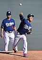 (R-L) Kenta Maeda, Rick Honeycutt (Dodgers),<br /> FEBRUARY 21, 2016 - MLB :<br /> Los Angeles Dodgers spring training baseball camp in Glendale, Arizona, United States. (Photo by AFLO)