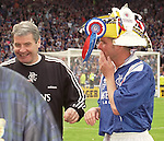 Archie Knox laughing at Ian Durrant's headgear after the 1996 Scottish Cup Final