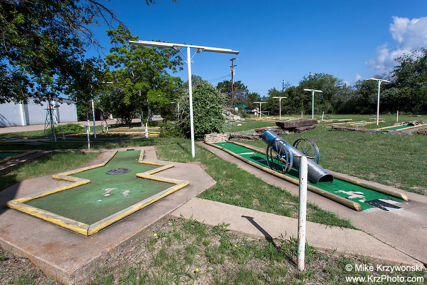 Abandoned miniature golf course in Gatesville, TX