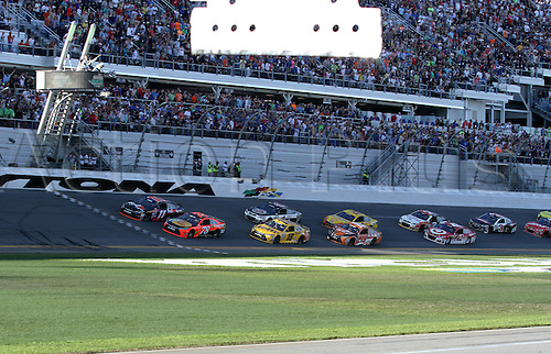 21.02.2016. Daytona Beach. Florida, USA.  February 21, 2016 : Denny Hamlin #11 beats Martin Truex Jr. #78 by inches, winning the Daytona 500 at Daytona International Speedway, Daytona Beach, Florida