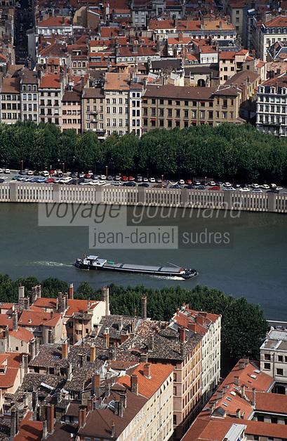 Europe/France/Rhône-Alpes/69/Rhône/Lyon: Quais de Saône et toits du vieux Lyon depuis Notre-Dame-de-Fourvière