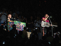 BOSTON, MA - JULY 30, 2012: Coldplay in concert at The Boston Garden in Boston, Massachusetts. July 30, 2012. © Rocco S. Coviello/MediaPunch Inc. /NortePhoto.com<br />