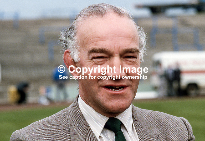 Tom Johnston, assistant secretary, Dept of Education, N Ireland, 19860403TJ..Copyright Image from Victor Patterson, 54 Dorchester Park, Belfast, UK, BT9 6RJ..Tel: +44 28 9066 1296.Mob: +44 7802 353836.Voicemail +44 20 8816 7153.Skype: victorpattersonbelfast.Email: victorpatterson@mac.com.Email: victorpatterson@ireland.com (back-up)..IMPORTANT: If you wish to use this image or any other of my images please go to www.victorpatterson.com and click on the Terms & Conditions. Then contact me by email or phone with the reference number(s) of the image(s) concerned.