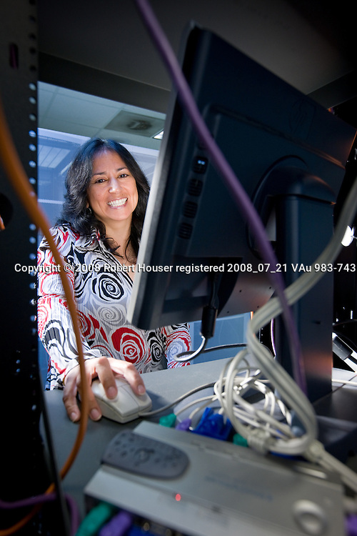 Margie Zamora - Supervising Applications Analyst - San Jose Police Department: Executive portrait photographs by San Francisco - corporate and annual report - photographer Robert Houser.