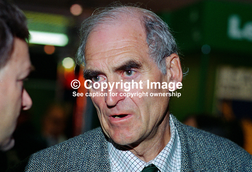 Nigel Spearing, MP, Labour Party, Britain, UK, 199509015..Copyright Image from Victor Patterson, 54 Dorchester Park, Belfast, UK, BT9 6RJ..Tel: +44 28 9066 1296.Mob: +44 7802 353836.Voicemail +44 20 8816 7153.Skype: victorpattersonbelfast.Email: victorpatterson@mac.com.Email: victorpatterson@ireland.com (back-up)..IMPORTANT: If you wish to use this image or any other of my images please go to www.victorpatterson.com and click on the Terms & Conditions. Then contact me by email or phone with the reference number(s) of the image(s) concerned.