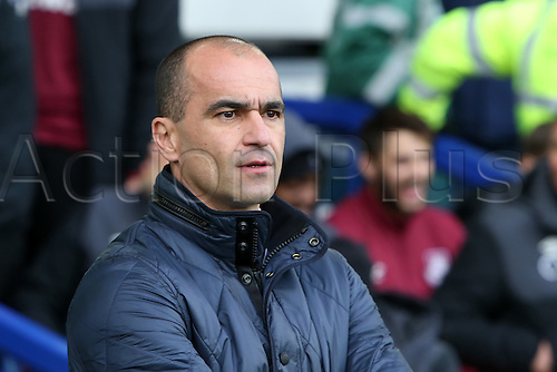 05.03.2016. Goodison Park, Liverpool, England. Barclays Premier League. Everton versus West Ham. Roberto Martinez, manager of Everton in the dugout.