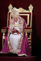 Celebrates vespers universities Pope Benedict XVI in St Peter's Basilica at the Vatican Dec 16, 2011