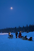 Team Checks in @ Finger Lake in Early Morning.2004 Iditarod