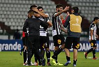 MANIZALES - COLOMBIA, 21-02-2019: Jugadores del Santini celebran después del partido por la primera fase, llave 9, como parte de la Copa CONMEBOL Sudamericana 2019 entre Once Caldas de Colombia y Deportivo Santiní de Paraguay jugado en el estadio Palogrande de la ciudad de Manizalez. / Players of Deportivo Santini of Paraguay celebrate match for the first phase, key 9, as part of Copa CONMEBOL Sudamericana 2019 between Once Caldas of Colombia and Deportivo Santini of Paraguay played at the Palogrande stadium in Manizales city. Photo: VizzorImage / Santiago Osorio / Cont