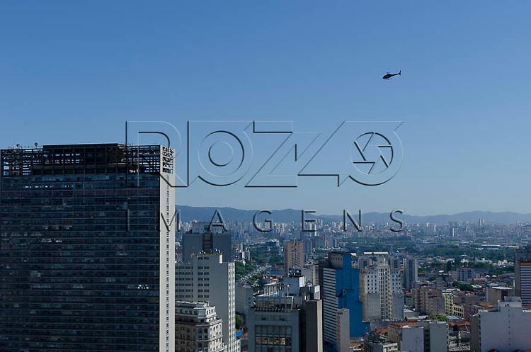 Vista  do centro da cidade, a partir do Edifício Martinelli, São Paulo - SP, 01/2014.