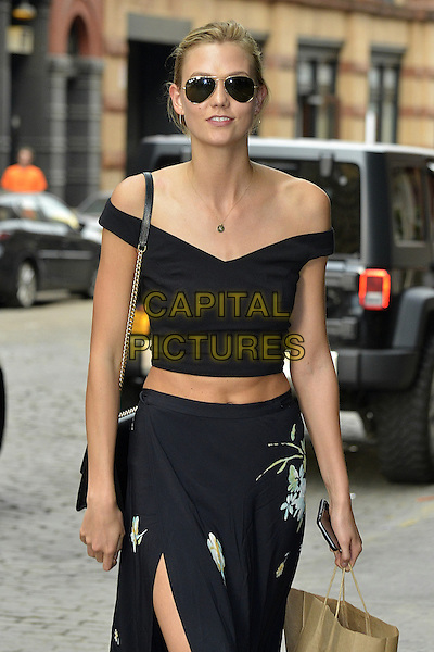NEW YORK, NY - MAY 28: Karlie Kloss seen arriving at Taylor Swift's house on May 28, 2015.<br /> CAP/MPI67<br /> &copy;MPI67I/Capital Pictures