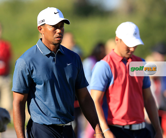 Tiger Woods (USA) and Martin Kaymer (GER) on the 15th hole during Friday's Round 2 of the Abu Dhabi HSBC Golf Championship at Abu Dhabi Golf Club, 18th January 2013 (Photo Eoin Clarke/www.golffile.ie)