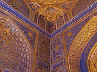 Moschee der Tilla-Kori Medrese am Registan, Samarkand, Usbekistan, Asien, UNESCO Weltkulturerbe<br /> Mosque of Tilla Kori Madrasa at Registan Square, Samarkand, Uzbekistan, Asia, UNESCO Heritage Site