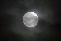 14.11.2016: Supermond über Büttelborn hinter Wolken