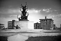 Quartier de Newroz, monument érigé à la mémoire des 16 civils écrasés par les chars turcs le 21 mars 1992, année noire.<br /> <br /> Nusaybin City monument erected in memory of the 16 civilians crushed by Turkish tanks March 21, 1992, a black year.