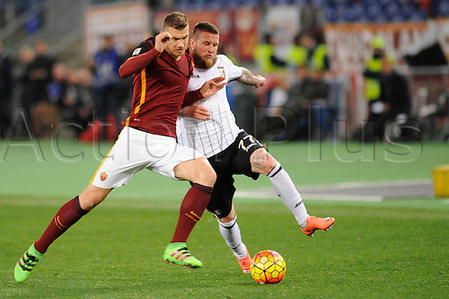 21.02.2016. Stadium Olimpico, Rome, Italy.  Serie A football league. AS Roma versus Palermo. DZEKO EDIN challenged by Michel Morganella