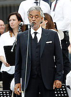 Il tenore Andrea Bocelli si esibisce prima dell'arrivo di Papa Francesco all'incontro con gli appartenenti al Rinnovamento nello Spirito Santo in Piazza San Pietro, Citta' del Vaticano, 3 luglio 2015.<br /> Italian tenor Andrea Bocelli performs prior to the arrival of Pope Francis for his meeting with members of the Catholic Charismatic Renewal movement in St. Peter's Square at the Vatican, 3 July 2015.<br /> UPDATE IMAGES PRESS/Isabella Bonotto<br /> <br /> STRICTLY ONLY FOR EDITORIAL USE