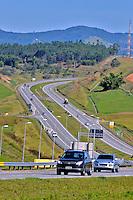 Rodovia Carvalho Pinto, SP-070 no município de Caçapava. Sao Paulo. 2015. Foto de Marcia Minillo.