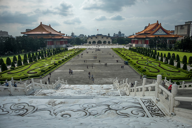 The Liberty Square,formerly known as Chiang Kai-shek Memorial Plaza or Memorial Square, is Taipei's and Taiwan's biggest public square. The square with all its famous neo-classical Chinese landmarks, gates and gardens was designed and built between 1975 and 1987.