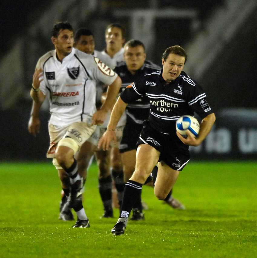 Photo: Jed Wee..Newcastle Falcons v Petrarca Padova. European Challenge Cup. 20/10/2006...Newcastle's Ollie Phillips.