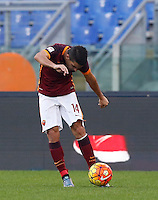 Calcio, Serie A: Roma vs Lazio. Roma, stadio Olimpico, 8 novembre 2015.<br /> Roma's Iago Falque kicks the ball during the Italian Serie A football match between Roma and Lazio at Rome's Olympic stadium, 8 November 2015.<br /> UPDATE IMAGES PRESS/Riccardo De Luca