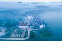 France, Indre-et-Loire, Lémeré, jardins et château du Riveau au printemps, le matin (vue aérienne)