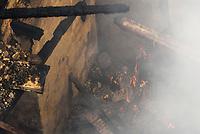 NITERÓI, RJ, 08.06.2017 - INCENDIO-RJ - Incêndio no Casarão Solar do Barão antigo prédio do Colégio Brasil no Fonseca em Niterói, região metropolitana do Rio de Janeiro, nesta quinta, 08. (Foto: Clever Felix/Brazil Photo Press)